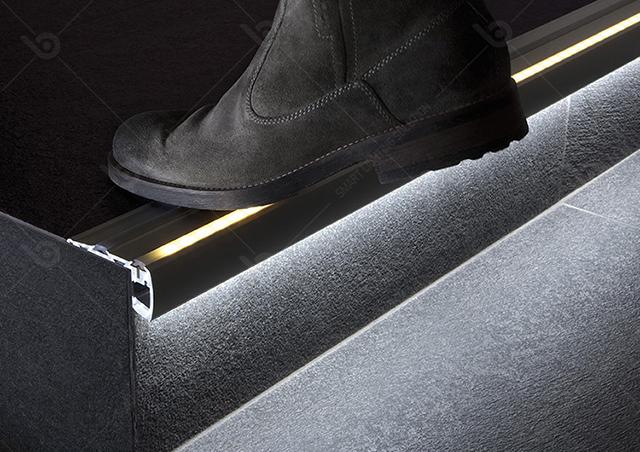 Thanh nhôm LED định vị cầu thang