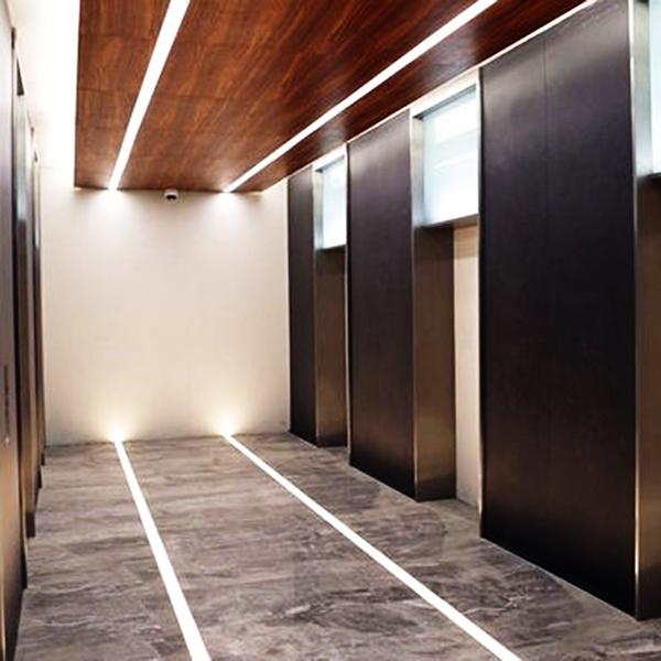 Ứng dụng thanh nhôm LED lắp âm sàn – bền bỉ và thực tế